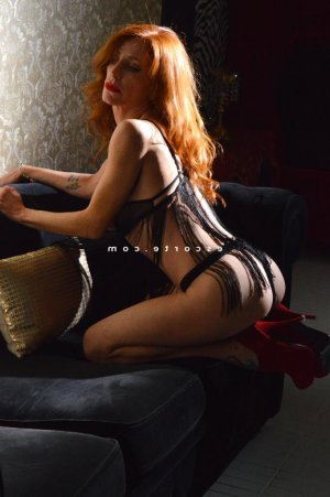 Maelanne lovesita massage tantrique à Ulis