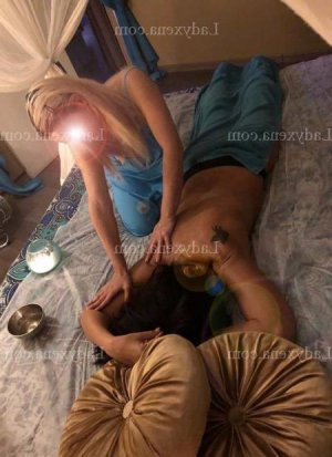 Nasira massage érotique